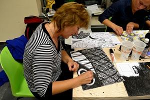 Ruce Cz Workshop Kresby V Tiche Kavarne Prinesl Ucastnikum Novy
